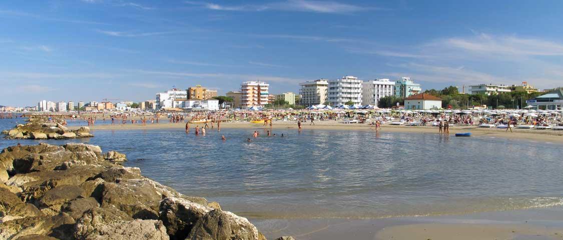 Matrimonio Spiaggia Riviera Romagnola : Misano adriatico informazioni spiagge hotel riviera